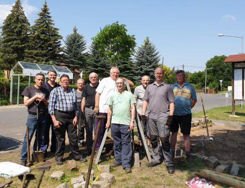 Freiwillige helfen in Kostebrau – Vorbereitungen für 600 Jahr-Feier